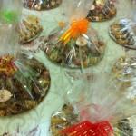 מתוקים בדבש מעורב ארוז ובו-7 סוגי מתוקים