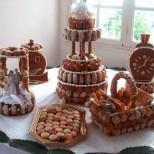 עוגות חתונה ויצירות שומשום בשילוב אקלרים פחזניות ומקרון